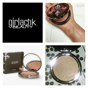 Girlactik Beauty Skin Glow in Glamorous